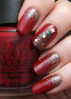 Red nails holiday Christmas tree glitter
