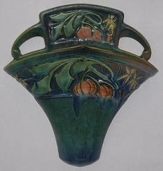 Roseville Baneda Wall Pocket Weller Pottery, Roseville Pottery, Mccoy Pottery, Vintage Pottery, Pottery Art, Vintage Walls, Vintage Art, Vintage Planters, Arts And Crafts Movement