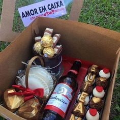 Cute Boyfriend Gifts, Presents For Boyfriend, Valentines Gifts For Boyfriend, Valentine Gifts, Candy Bouquet Diy, Diy Bouquet, Cute Couple Gifts, Cute Gifts, Chocolate San Valentin