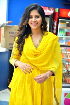 Latest photos of malayalam actress Anjali - Photo gallery of Anjali including Anjali latest movie stills, latest event premiere show photos,Anjali new photoshoot pictures and more pics