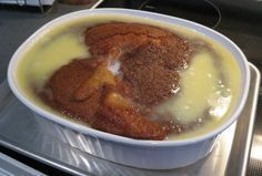 South African Brown Pudding (Bruinpoeding) - COOKING - This is one of my favourite puddings. It's a traditional South African recipe that's easy to make and doesn't take too long – about 10 minutes to mix South African Desserts, South African Dishes, South African Recipes, Africa Recipes, Pudding Recipes, Pudding Desserts, Dessert Recipes, Pudding Cake, Kos