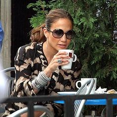 Jennifer Lopez (1969- ) #coffee #celebrity #actress #jenniferlopez