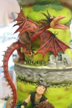 This Award-Winning How To Train Your Dragon Cake Looks Amazing Toothless Party, Toothless Cake, Fondant Figures Tutorial, Fondant Toppers, Cake Decorating Tips, Cookie Decorating, Movie Cakes, Cute Cakes, Pretty Cakes