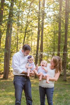 Fun outdoor family session with twins!