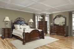 Are you a fan of traditional bedroom sets? What about the ornate details on this set?   #Details #Design #Bedroom