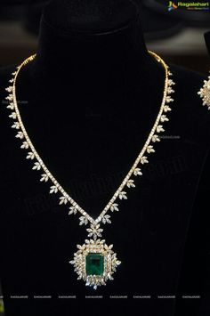 Emerald & Diamond necklace #emeralds #diamonds #necklace www.kristoffjewelers.com