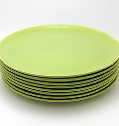 Fantastic Vintage Malibu Modern Chartreuse green dinner plates manufactured by Hollydale Pottery. Hollydale Pottery was founded by husband Dinner Sets, Timeless Design, Dinner Plates, Dinnerware, Husband, Unique Jewelry, Pottery, Dishes, Retro