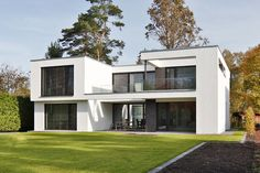 Bauhaus: The first choice for purists - Mollwitzstraße Concrete - The specialist for innovative building