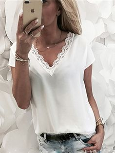 Lace patchwork blouse fashion 2018 women short sleeve V Neck loose cas – rricdress Blouson Rose, Chemises Sexy, Plus Size Tees, Evening Dresses Plus Size, Casual Skirt Outfits, Sexy Shirts, Chiffon Shirt, Chiffon Tops, Loose Tops