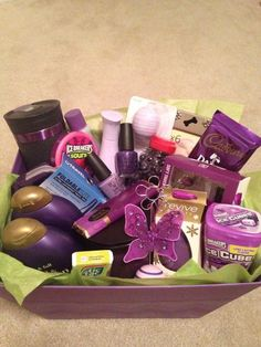 Gift ideas for best friend baskets Purple Themed DIY Christmas Baskets for Teens Themed Gift Baskets, Diy Gift Baskets, Basket Gift, Diy Christmas Baskets, Diy Christmas Gifts, Christmas Ideas, Homemade Christmas, Christmas 2019, Xmas Hampers