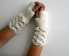 Lace Gloves Crochet Pattern