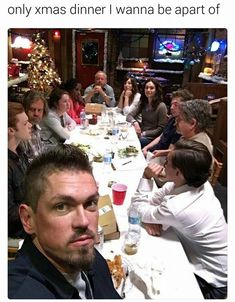 That's a wrap! Last episode of season 7 tonight. Thank you cast and crew, I love you. Especially, thank you to all our fans, I love you! Shameless Memes, Shameless Tv Show, Shameless Mickey And Ian, Ian And Mickey, It Cast, Movies Showing, Movies And Tv Shows, Steve Howey, Rest