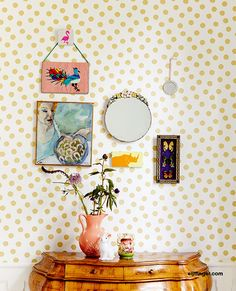 Eijffinger + RICE = Rock 'n' wallpaper Roll! Diy Tapete, Tapete Gold, Wallpaper Decor, Wallpaper Roll, Confetti Wallpaper, Wallpaper Online, Trendy Home Decor, Bright Homes, Metal Wall Art