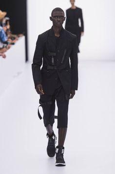 Y3-spring-summer-2017-paris-fashion-week-02