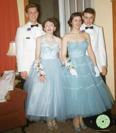 1950 Style, Vintage Prom, 1950s Hairstyles, Vintage Hairstyles, Bridesmaid Dresses, Prom Dresses, Formal Dresses, Wedding Dresses, 1950s Prom
