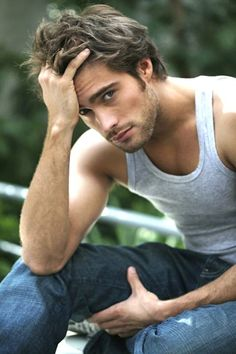 Antonio Rodrigo Guirao Díaz - model and television Argentine actor born January 18, 1980 in Vicente Lopez, Buenos Aires, Argentina.