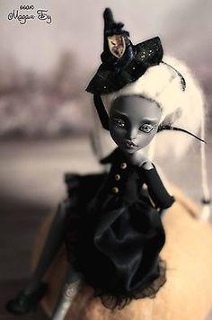 Halloween-OOAK-repaint-of-Purrsephone-Monster-High-doll-by-Madam-Bu
