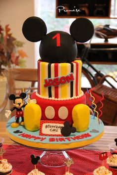 mickey mouse bday cakes #mickeymouse #party #mickey