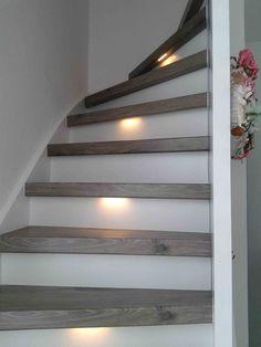 Ook een houten trap kan prima gecombineerd worden met ledverlichting.