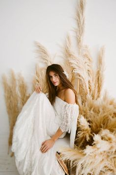 Daughters of Simone boho vintage wedding dresses available at The Bridal Studio in Salt Lake City, Utah. Fond Studio Photo, Boho Wedding Dress, Wedding Dresses, Bridal Shoot, Wedding Posing, Photoshoot Inspiration, Bridal Portraits, Fashion Photography, Wedding Photography