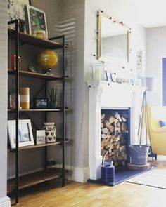 Rustic bookcase / shelving. Dinning room inspiration