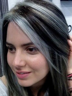 Grey Hair with Black Highlights Pretty Lovely Chunky Streaks & Lowlights 5 Pinte. - All For Hair Color Trending Brown Hair With Silver Highlights, Black Highlights, Black And Grey Hair, White Hair, Gray Hair Growing Out, Dark Hair, Curly Hair Styles, Hair Cuts, Hair Color