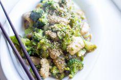 Ligesom spinat og laks er kylling og broccoli altså bare en af de kombinationer, som altid dur! I weekenden havde Irma øko-broccoli til 10 kr, så jeg nuppede to i den overbevisning, at dem skulle j…