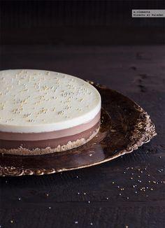 Receta de tarta de tres chocolates. receta con fotos del paso a paso y sugerencias de presentación. Trucos y consejos de elaboración. recetas de postres