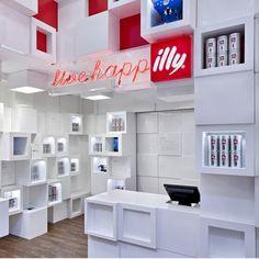 Illy temporary shop by Caterina Tiazzoldi, Milan store design Shop Interior Design, Retail Design, Exterior Design, Visual Merchandising, Cubes, Small Store Design, Store Interiors, Pop Up Shops, Retail Interior