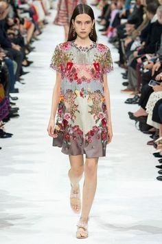 Valentino Spring-Summer 2018 #pfw #fashion #moda