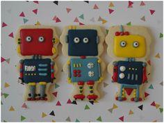 Vintage robot cookies, by doctorcookies   Cookie Connection