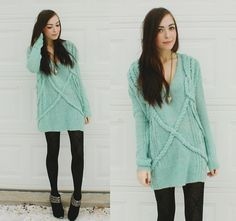 Winter Street Style: Winter knits feel ultra-sweet in pretty hues like this.  Photo courtesy of Lookbook.nu
