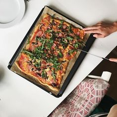 #semesterlunch☝️ Intages med fördel ca 3 timmar efter normal lunchtid 🍕 #pizza