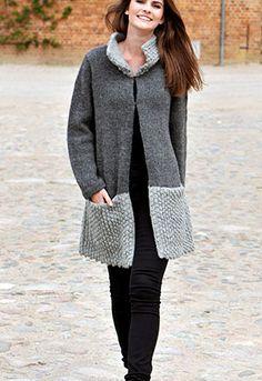 Strikket jakke med knudemønster  - strikkeopskrift