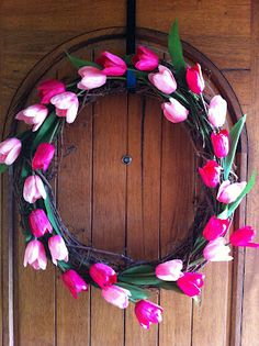 DIY: Spring Tulip Wreath