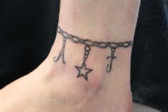 Idee tattoo Jewelry Tattoo, Girl Tattoos, Tattoo Quotes, Dangles, Nail Designs, Nails, Tatoo, Finger Nails, Ongles