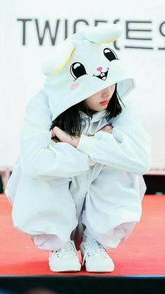 nayeon cute twice wallpapers Cute Korean Girl, South Korean Girls, Asian Girl, Girls Dp, Kpop Girls, Cute Girls, Stylish Girls Photos, Girl Photos, Kpop Girl Groups