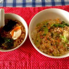 またまた残り物で… - 17件のもぐもぐ - 鮭とレタスのチャーハン+ミニ味噌ラーメン by tabajun