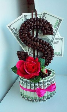 ideas chocolate bouquet ideas creative centerpieces for 2019 Diy Birthday, Birthday Gifts, Craft Gifts, Diy Gifts, Coffee Bean Art, Money Creation, Money Bouquet, Creative Money Gifts, Money Flowers