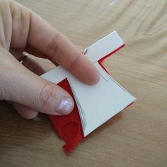 Vilten sinterklaas met kralen hoofd - Duurzaam houten speelgoed Playing Cards, Felting, Craft Work, Playing Card Games, Game Cards, Playing Card