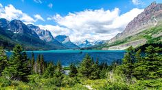 Glacier National Park  Glacier National Park, in northern Montana, sits right along the border with Canada. Scientists predict its glaciers will have fully vanished in another few years.