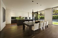 Modern Malvern House by Canny Design Malvern House, Küchen Design, House Design, Melbourne House, Cuisines Design, Dining Room Design, Sustainable Design, Beautiful Kitchens, Interior Design Living Room