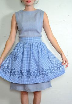 Pretty APRON Very Special. Pink and White with Chicken Scratch Stitch and Smocking Stitch.