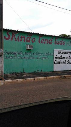 9.Na crise é hora de investir em tudo não é? Esse lugar achou que sim!  #PerolasDaPropaganda #Brasil #Diversao #Propaganda #TudoMKT #TudoMarketing