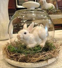 Welcome the spring season and brighten up your home for less with these dollar store Easter decorations. There are so many Easter DIY ideas to choose from including Easter wreaths, Easter centerpieces, Easter garlands and Easter. Easter Garland, Easter Wreaths, Spring Wreaths, Easter Projects, Easter Crafts, Easter Ideas, Craft Projects, Bunny Crafts, Diy Crafts