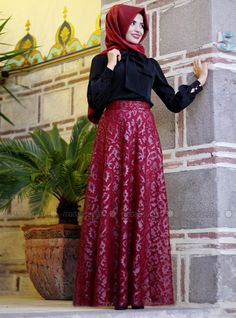 Laser Cut Leather Skirt - Red - Pınar Şems.Ahh,how beautiful outfit!