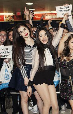 Camren // Camila Cabello and Lauren Jauregui Beautiful Love Stories, Beautiful Legs, Fifth Harmony Camren, Sophia Loren Images, Camila And Lauren, Selena G, I Love Girls, Celebrity Look, Hollywood Actresses