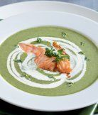 Špenátová polévka s lososem Plates, Tableware, Kitchen, Fine Dining, Licence Plates, Dishes, Dinnerware, Cooking, Griddles