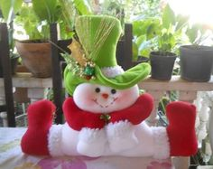 Pin by Gina paola on navidad Felt Christmas Decorations, Christmas Snowman, Christmas Time, Christmas Ornaments, Holiday Decor, Snowman Crafts, Felt Crafts, Christmas Crafts, Diy And Crafts