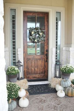 Do you need inspiration to make some DIY Farmhouse Front Porch Decorating Ideas in your Home? When you are trying to create your own unique Farmhouse Front Porch design, you will want to use ideas from those that are… Continue Reading → Decoration Inspiration, Decor Ideas, Decorating Ideas, Design Inspiration, Design Ideas, Door Decorating, Design Design, Design Miami, Nest Design